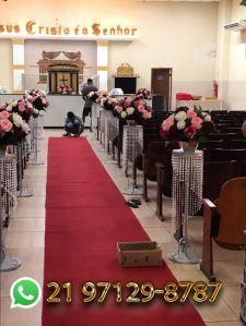 Arranjo de Flores Artificiais para Igreja.jpg
