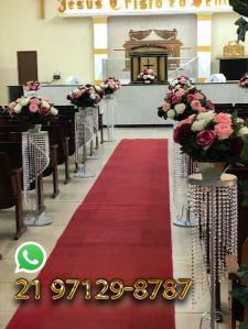 Decoração de corredor de igreja para casamento